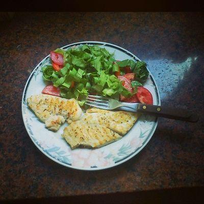 Mi Almuerzo de hoy Pechuguitas con Ensalada Quiero Comida tengo Hambre