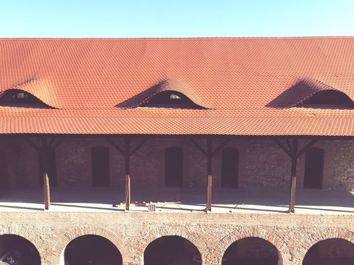 EyeEm Selects Architecture Arch Built Structure Building Exterior Outdoors Day No People Sunlight Clear Sky Shadow Roof Sky Făgăraş Citadel