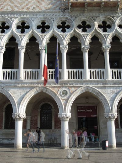 People come and go, the palace stays. Architecture Colonnade Column Doge's Palace Dogenpalast Entrance Façade Gothic Architecture Historic Palazzo Ducale Sightseeing Venedig Venezia The Tourist