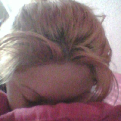 My lazzy ass just woke up...Feelingtootireed Headhurts GoodMorningEverybody Haveanicedaytooall loveyaa♥♥♥☜∩__∩