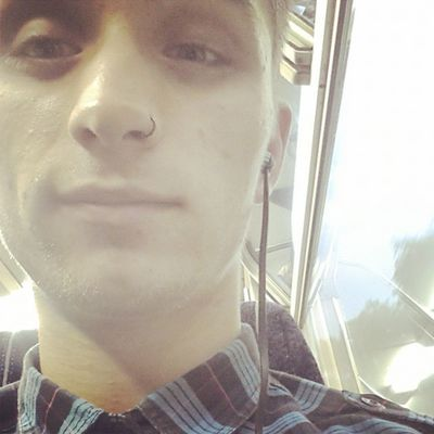 Back to the valley Me Selfie Train Journey trainjourney home gayman gay gayboycute cueboy cutegay model smile eyes