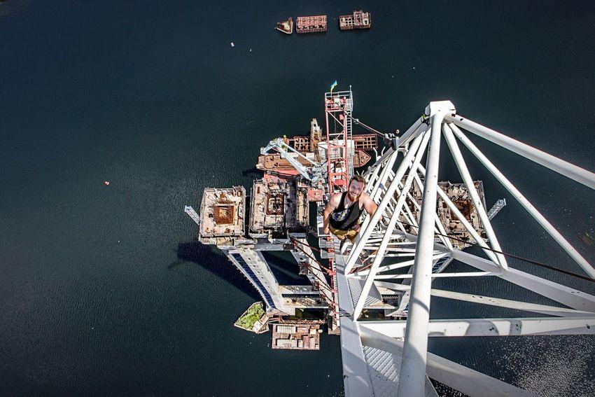Найбільший міст в Україні, його висота - 200 метрів.Дивіться відео з цього мосту у мене на каналі youtube.com/watch?v=jyj2Hxyt5f0 Roof Rooftop Екстрим Gopro Zaporozhye Ukraine Запоріжжя Україна Youtube Vlogger