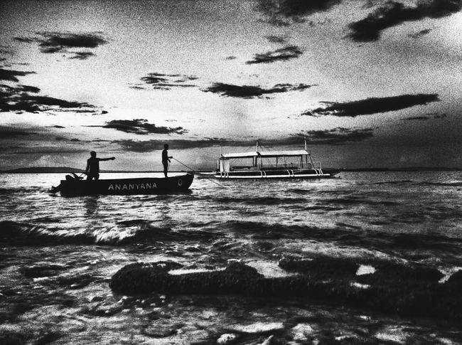The Photojournalist - 2016 EyeEm Awards Balicasag Bohol Philippines Full Moon over Balicasag ?