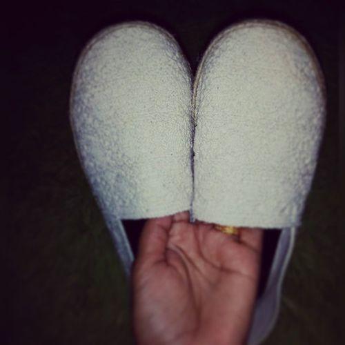 รองเท้าถักลูกไม้งานดีงาม ถูกใจเจ้ ^^