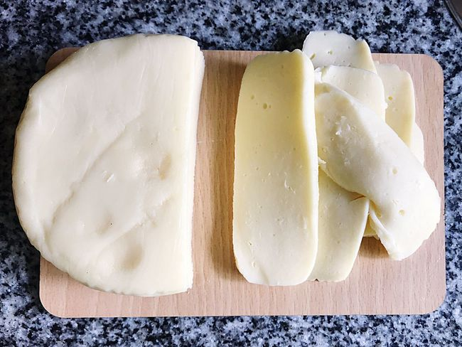 Mozzarella sliced Mozzarella Food And Drink Food Freshness Wellbeing Healthy Eating Dairy Product Still Life Indoors  Ready-to-eat Directly Above Plate Cheese Table No People High Angle View Bread Close-up Indulgence Meal Butter