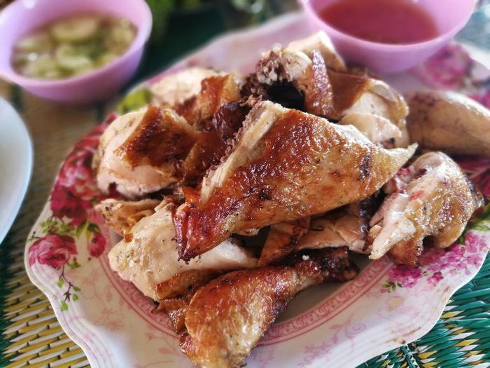 local food Grilled Chicken Thai Foods Thai Style Food Thai Northeastern Food Esarn Food EyeEmNewHere Loei Thailand EyeEmNewHere. Plate SLICE Close-up Food And Drink Served Serving Dish