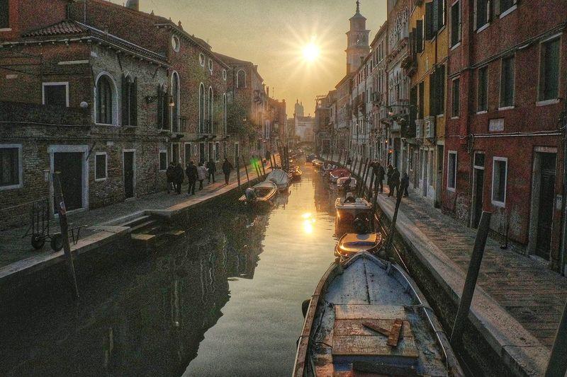 Venezia tramonto ship water canal grande atmosphere light sun architettura sky