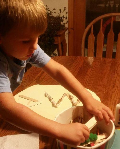 Missouri Ozarks, USA 💥💖 Inside Fun💕 Table Creativity Craft Designing Family 🙏🙌 👫 Grandkids 💙💛💜 Preschooler Child Close-up Art And Craft Art ArtWork