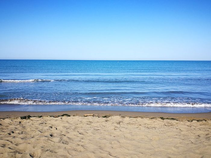 il mattino ha l'oro in bocca Beautiful Colors Quadronatural Spiaggia🐚 Beauty In Nature My Point Of View Nature EyeEm Nature Tranquility Principina A Mare , Grosseto, Maremma Water Sea Beach Wave Blue Sand Summer Pastel Colored Horizon