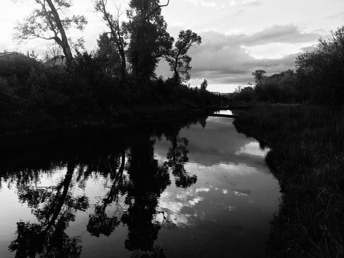 EyeEm Nature Lover Relaxing IPSShadows BigSkyCountry IPhoneography 406 Clouds And Sky Black & White