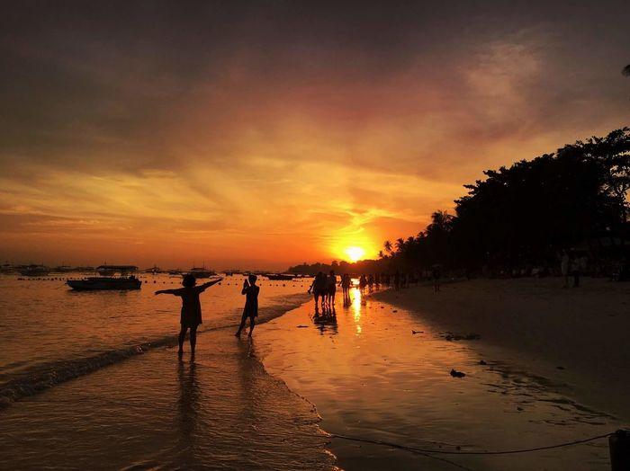 The Week On EyeEm Sunset Sunset Silhouettes Sunsetlover Dreaming Travelphotography EyeEmNewHere Thephilippines