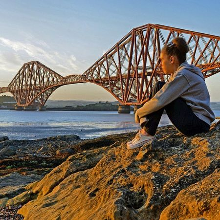Nikon D7000. ISO 200, f10 1/60 South Queensferry with Holly. Igbest_shotz Ig_landscapes Ig_shutterbugs Nature_sultans Loves_Scotland BonnieScotland Naturelover_gr Bnwscotland Insta_Scotland Explorescotland Igerscots Ig_Scotland Nikond7000 Nikonphoto ForthRailBridge