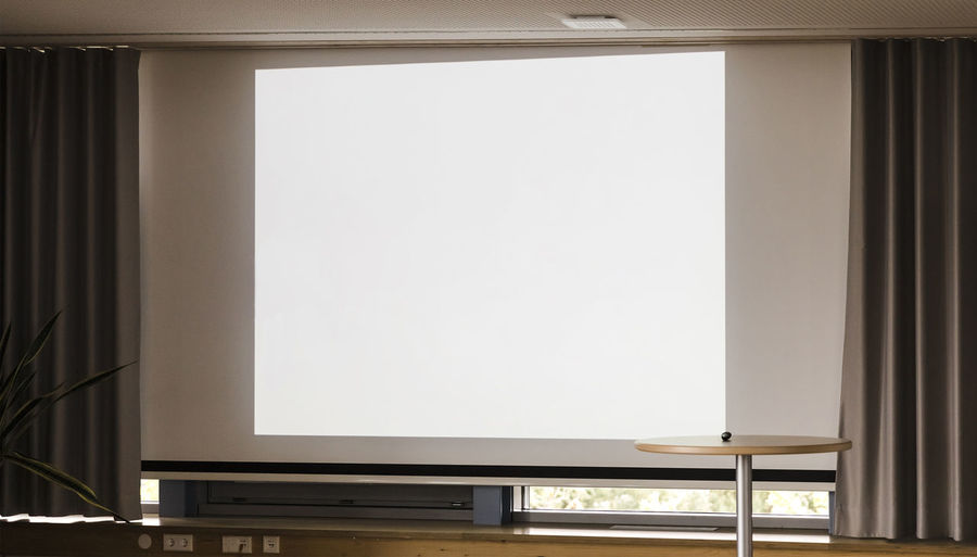 Blank projection screen on wall – Bochum, NRW, Germany, Europe Blank Screen Projection Projection Screen Projection Equipment Business Finance And Industry Business Backgrounds Curtain Rectangle Shape Presentation Modern Empty Convention Meeting Communication Concept Room Room For Text Copy Space Technology Wall Board Canvas Indoors  No People Absence Table White Color Light