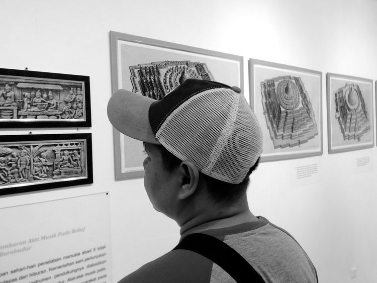 EyeEmNewHere One Person Close-up Learning Exhibition TheWeek On EyEem 12DaysofEyEm Blackandwhite Iphone5s IPhoneography Iphonesia