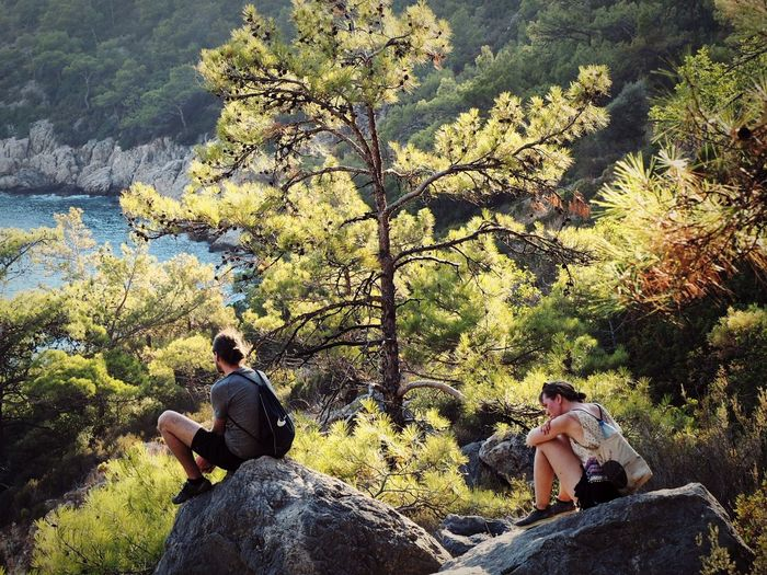 Sitting Nature Two People Real People Tree Day Outdoors Tranquility Leisure Activity Men Women Adults Only People Forest Beauty In Nature Love LoveNature Love Photography Summer Time  Summer Memories 🌄 Summer! ♥ Summer2017 Lycianwaytrekking Lycianway EyeEmNewHere