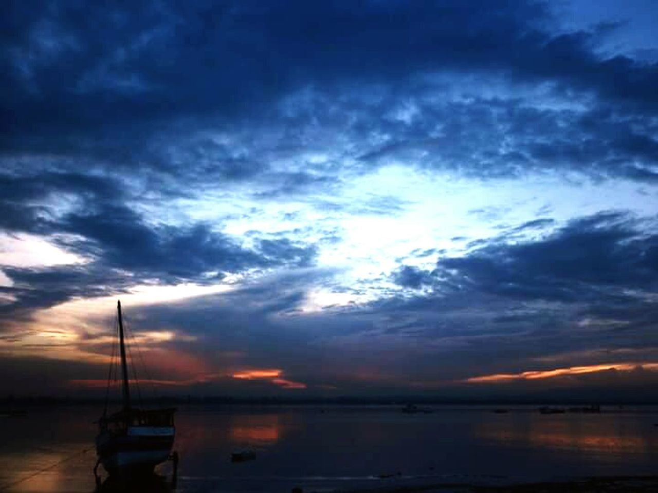 sky, cloud - sky, sunset, water, beauty in nature, scenics, nature, nautical vessel, silhouette, transportation, tranquility, mode of transport, no people, outdoors, sea, tranquil scene, waterfront, day