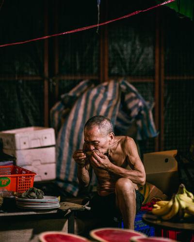 temple street night market scenes Street Photography Streetphotography Hong Kong Night Market Market Old Man Elderly Man Elderly Portrait Portrait Photography Portrait Of A Man  Portrait Photography Street Snap Night Photography The Street Photographer - 2018 EyeEm Awards