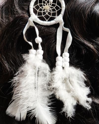 Dreamcatcher Coachella HairExtensions Hair Dreamcatcher White Feather  Bohobride Moonlightmagic Boholuxe Picoftheday Bohemianstyle Instaglam Pictureoftheday Instafashion Bohochic Gispy GipsyGirl Bohostyle Close-up Art And Craft