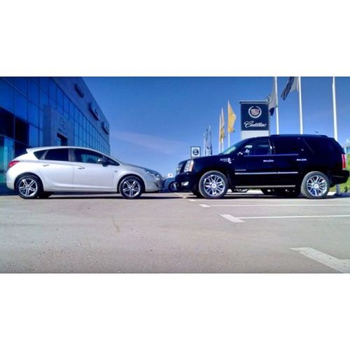 Cadillac Escalade & Opel Astra Car Life In Motion Cars People Watching People Of EyeEm First Eyeem Photo