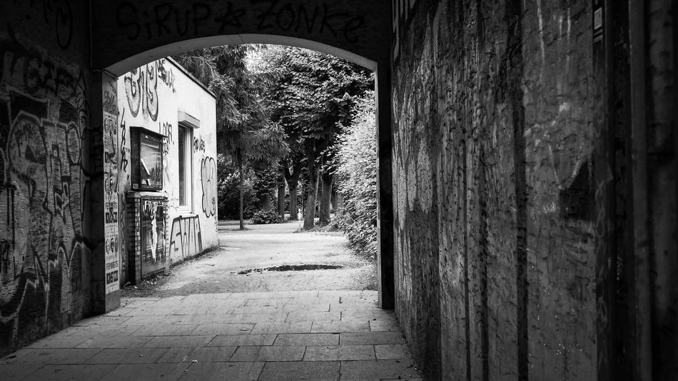 park entrance Entrance Park Entrance Built Structure Nature In The City Blackandwhite Blackandwhite Photography Black And White Photography Backyard Eyem Collection Eyemphotography Eyembestpics Eyem Gallery