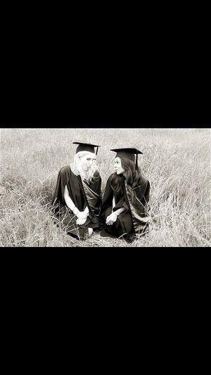 Photoshooting Graduationday BestFriendGoals♥♥ Girlythings Blondeandbrunette Newzealand Degreeholder Blackandwhite Photography Blackandwhite Classic