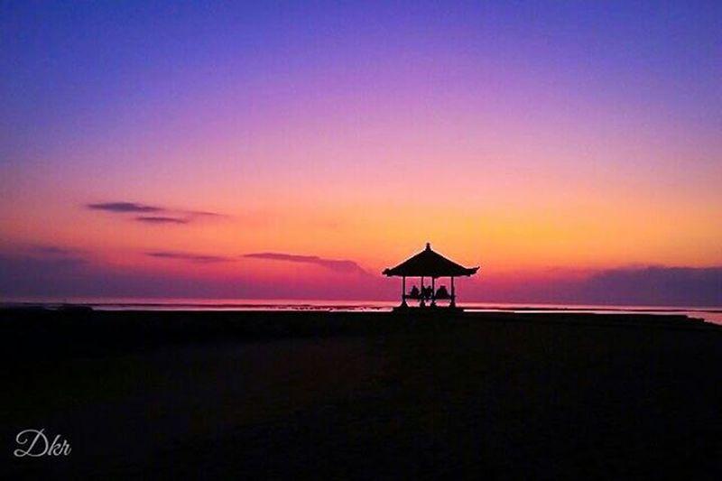 Silhouette Sunrise Sanur Beach Bali Amazing Awesome View Landscape Nature Balicili Livefolkindonesia Livefolk Matalensa Fotografi Fotografiponsel Kamerahpgw Kamerahpgw_bali Mobilephotography PhonePhotography Photograph Picture Igaddict Igers Traveling instagram