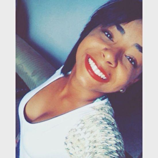 Se esticarmos mais o sorriso, os problemas encolhem. 😃🍃