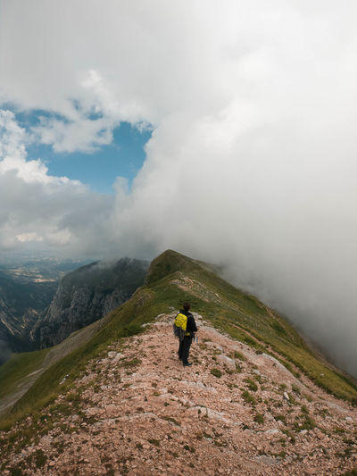 i think this is one of the the most beautiful places i've seen in Marche Mountain Full Length Fog Adventure Water Hiking Healthy Lifestyle Climbing Sky Cloud - Sky Hiker Hiking Pole Trail Storm Cloud Backpack Pursuit - Concept Foggy Monsoon Salzburger Land Overcast Storm