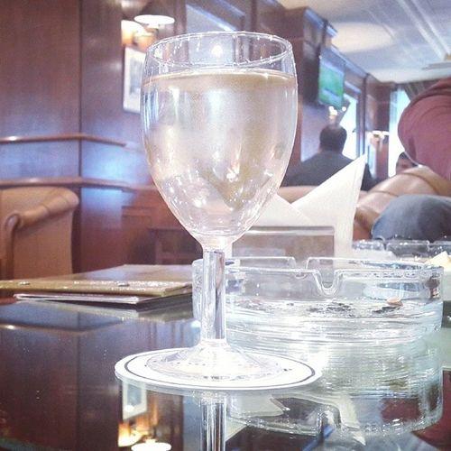 Happy hour Drink Bahja Happyhour Mechtel goldentulip whitewine vinblanc Friends