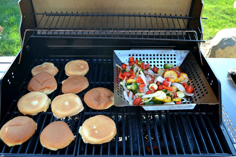EyeEmNewHere Barbecue Grill Close-up Day Food Food And Drink Freshness Grilling Vegetables Healthy Eating No People Outdoors Ready-to-eat Roasted Vegetables Toasted Buns