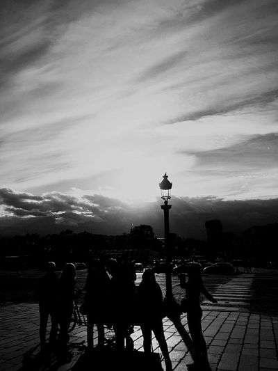 Black & White Blackandwhite Photography Blackandwhite Black And White People People Photography Darkness And Light Light And Shadow Shadow Streetphotography