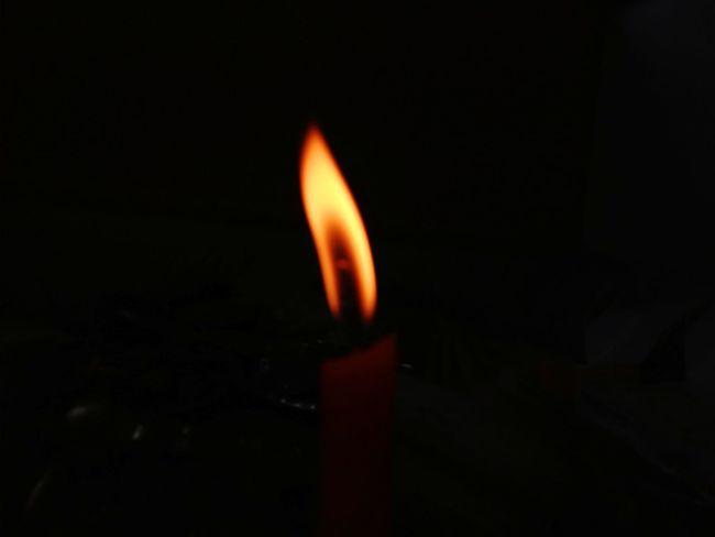 Heat - Temperature Flame Burning Dark Night No People Black Background Indoors  Close-up Sommergefühle