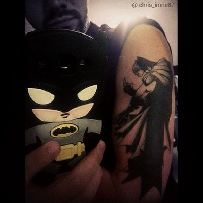 Out of everything I own, that is Batman related, my 2 favourites are my phone case and tattoo. Don't regret a single penny that got spent on them. Tattoo was done by @riabarrenechea go check her work out, the artist I'm not sure of as I found it on a random site. My beard is coming along nicely too :) Batmanfamily FamilyOfBats Geek GeekandProud Gamer Tattoo Ink Batmantattoo BatmanInk Guyswithtattoos ScottishGuy Scottish Beard Stubble Instasize BeardsAndTats Phonecover