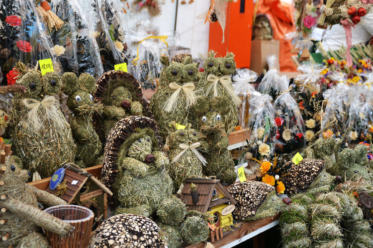 Arrangement Choice Collection Display For Sale Large Group Of Objects Market Market Stall Multi Colored Nature No People Outdoors Plant Straw Figures Straw Flowers Straw Market Variation