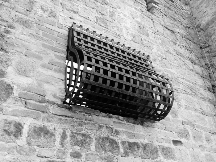 Nexus5photography Nexus5 Grata Finestra Grate Window Jail Everything In Its Place Biancoenero Bianco E Nero Bianconero Bianco&nero Blackandwhite Black And White Black & White Black&white Blackandwhite Photography Black And White Photography Blackandwhitephotography Blacknwhite Black'n'white