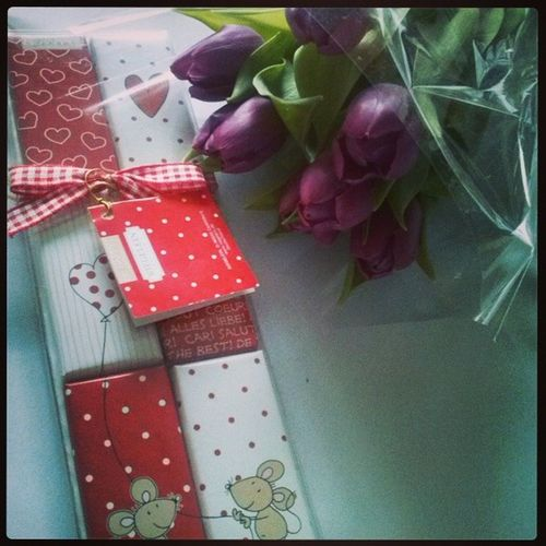 Flowers Chocolates Women 's dayFollow melike4likelikeforlike