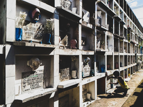 AllSaintsDay Streetphotography Streetphoto Cemetery_shots Cemetery Photography Cemeteryscape Photography Travelphotography Eyeem Philippines Travelph Holiday Memories EyeEm Gallery Photographyislife Person Philippines Photojournalism Mobilephotography LightroomMobile AllSoulsDay AllSoulsDay2016