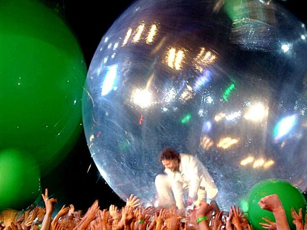 Wayne Coyne of The Flaming Lips surfs the crowd for the first time ever at Coachella Concert PhotographyThe Flaming Lips Coachella Wayne Coyne Musician Music Live Music Rock'n'Roll