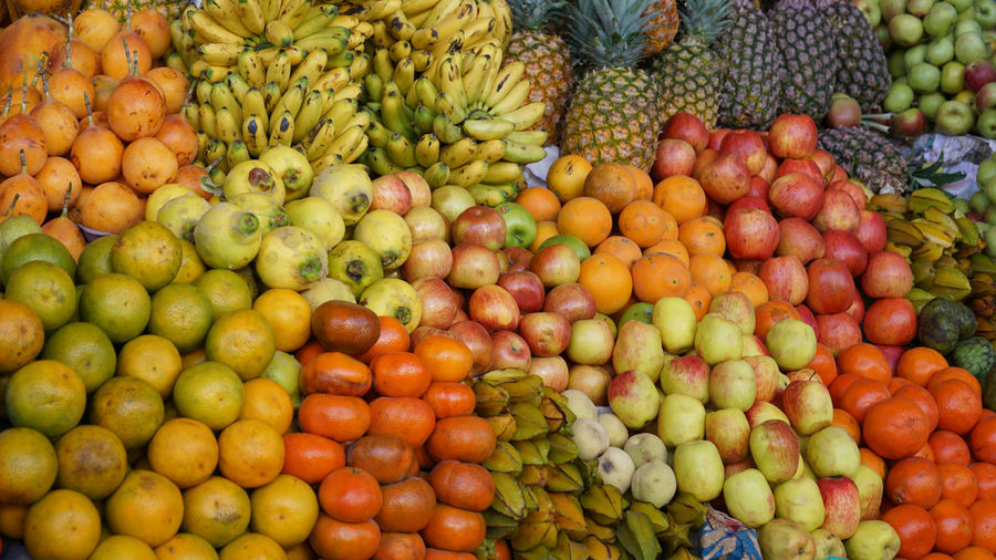 Enjoy! Food And Drink Healthy Eating Fruit Food Freshness Abundance Wellbeing Choice Large Group Of Objects Market Retail  Variation Citrus Fruit Market Stall Orange Color Apple - Fruit Tropical Fruit Day No People Orange - Fruit Orange Organic Outdoors Street Market Sale EyeEmNewHere