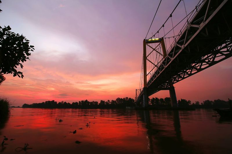 Red Sunset Water River Sunset Red Cloud - Sky Bridge Architecture Reflexions Water City Sunset Bridge - Man Made Structure River Reflection Tree Sky Architecture