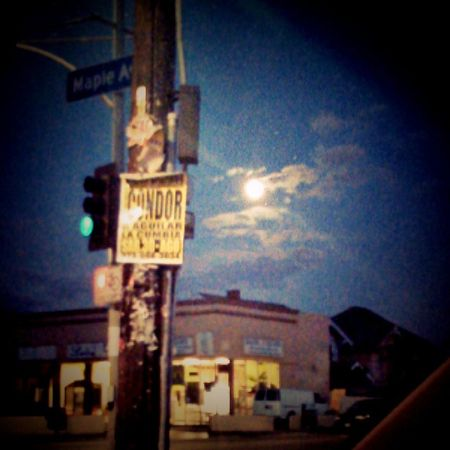 Super moon on my way home from work. Supermoon Offwork Maplestreet Southcentral cityoflosangeles myedit mix