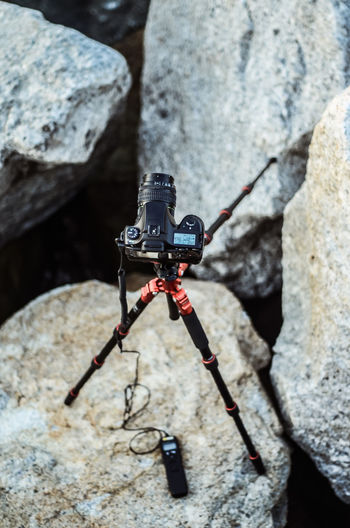 Adventure Camera Close Up Digital DSLR Photography DSLR Photography Shooting Photos Remote Control Rock Tripod Photography with DSLR camera on tripod