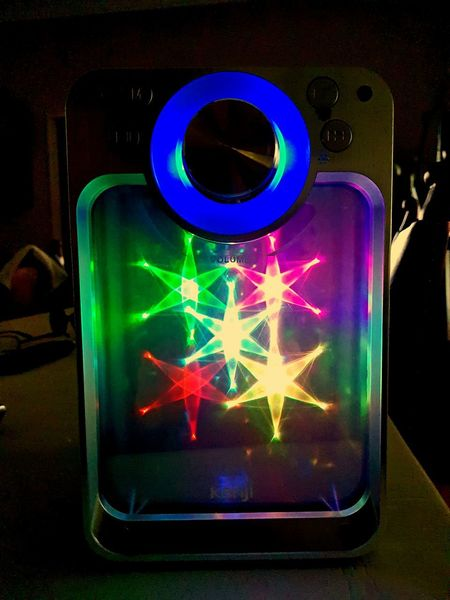 Let's groove! Groovy 80svibes Bright Colors Brightly Lit Lowlight Stars Light And Shadow Lights In The Dark Illuminated Ilovethe80s #synthwave #MusicFlow #MusicianLife #loudspeaker Neon Neon Colored HUAWEI Photo Award: After Dark