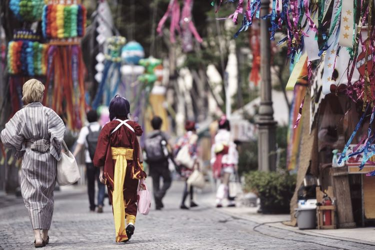 Capture The Moment Depth Of Field Street Costume Fashion Cosplay People Rear View Summer Festival Streetphotography Uzu St. Real People Full Length Snapshots Of Life Fine Art Photography Getting Inspired Selective Focus Bokeh Background Full Frame Detail Sony A7RII Sigma EyeEm Best Shots 17_08 Mix Yourself A Good Time The Week On EyeEm EyeEmNewHere Done That.