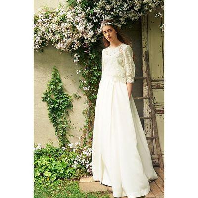 おはようございます。 今日の渋谷は少し寒い冬空です。。。 異素材なレースの組み合わせで作ったトップスと、甘くなり過ぎないボトムのセパレートタイプなウエディングドレス、春の訪れを感じます(⌒_⌒) Cliomariage Weddingdress Dress ドレス カラードレス クリオマリアージュ ウェディングドレス タキシード ガーデンウエディング Wedding ウェディング 結婚式 結婚式準備 Accessory アクセサリー ギフト Fashion ファッション ナチュラル 東京 渋谷 Japan 撮影