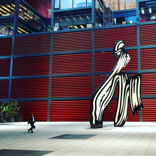 museum reina sofia Reina Sofía  SPAIN Red Museum Day Full Length Outdoors City One Person One Man Only Adult