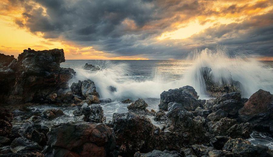 Île de Pâques Long Exposure Nature Motion Water Beauty In Nature Sky Cloud - Sky Sunset Outdoors Rapa Nui National Park Moai Chile KGphotography Karl Girardet Break The Mold