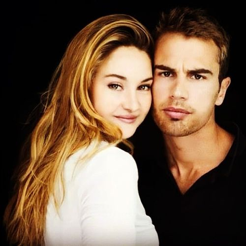 Shailene Woodley and Theo James Tris Tobias Divergent Dauntless