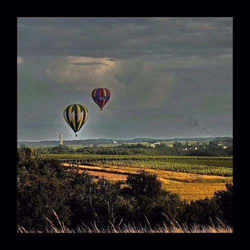 Dans la vallée du Cher près du château de Chenonceau Montgolfière  Balloons Balloon EyeEm Masterclass Loire Valley Touraine Montgolfieres EyeEmBestPics EyeEm Best Shots Landscape