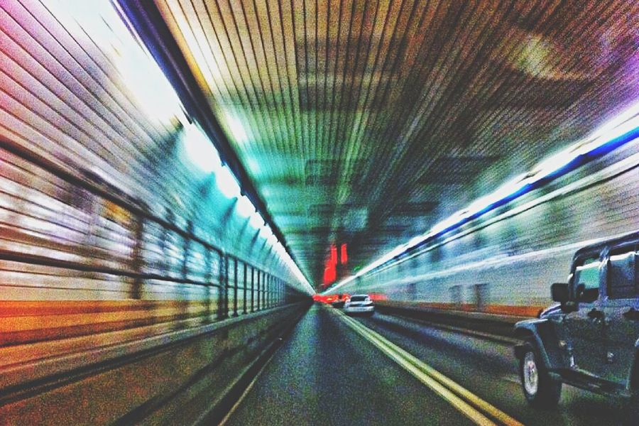 Need For Speed Holland Tunnel Tunnel Driving Speed Beneath Underground NYC New York New York City Car Jeep Movement Blur Motion Red Blue Yellow Orange Hudson River Road Highway Motorway MeinAutomoment